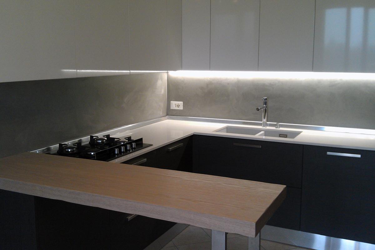 Cucina bianco lucido e rovere grigio arredamenti barin - Paraschizzi per cucina ...