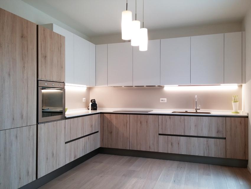 Cucina rovere nodato e bianco opaco arredamenti barin - Cucina rovere bianco ...