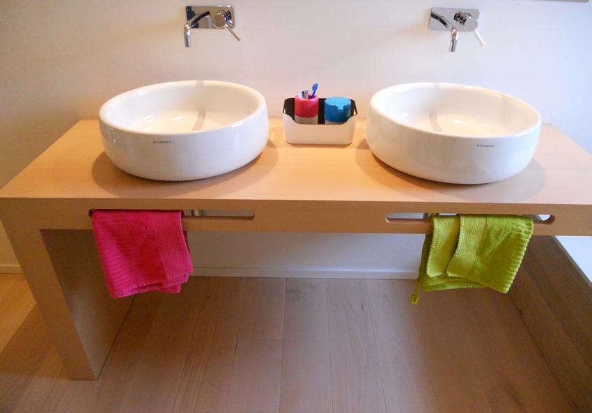 Mobile bagno con mensola in legno doppia postazione - Mensola porta piatti ...