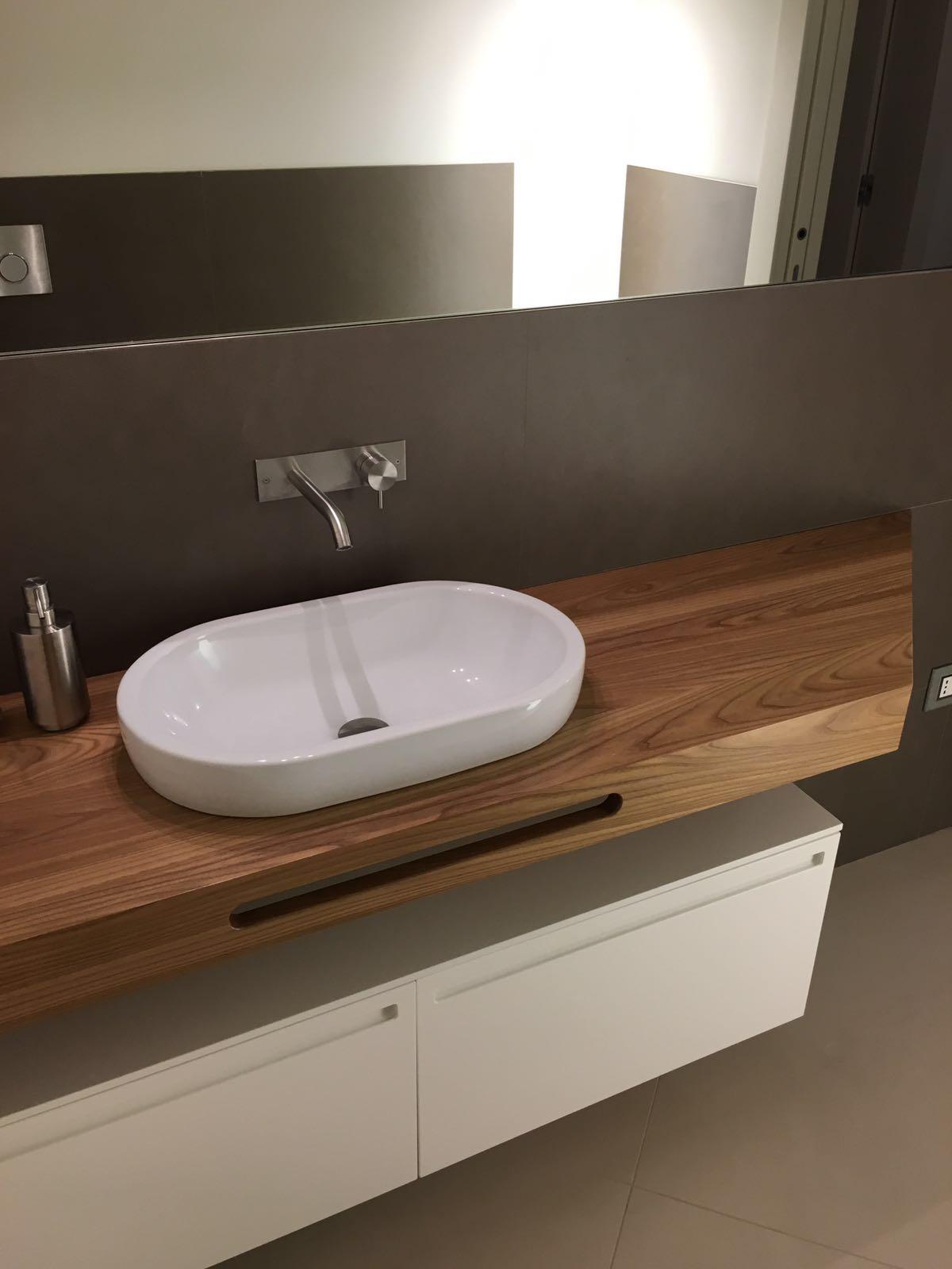 Mobile Bagno con Mensola Sagomata in Olmo | Arredamenti Barin