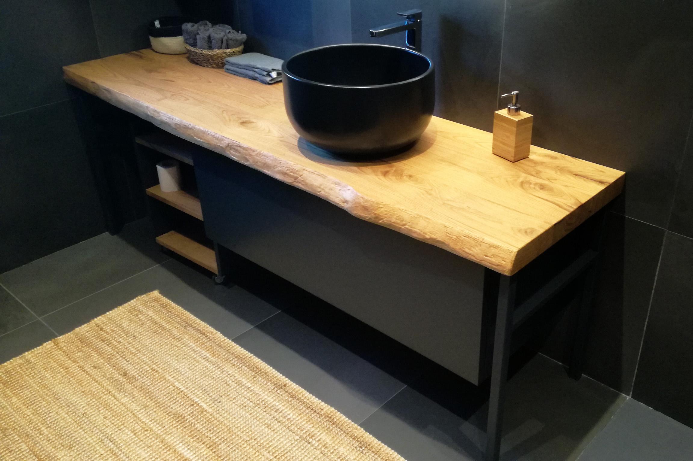 Mobile bagno industrial black con pianale in legno