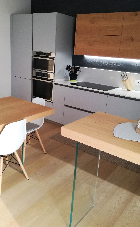 Cucina in laccato opaco bianco cucine stile moderno brescia stunning cucina bianco opaco - Cucina laccato bianco ...
