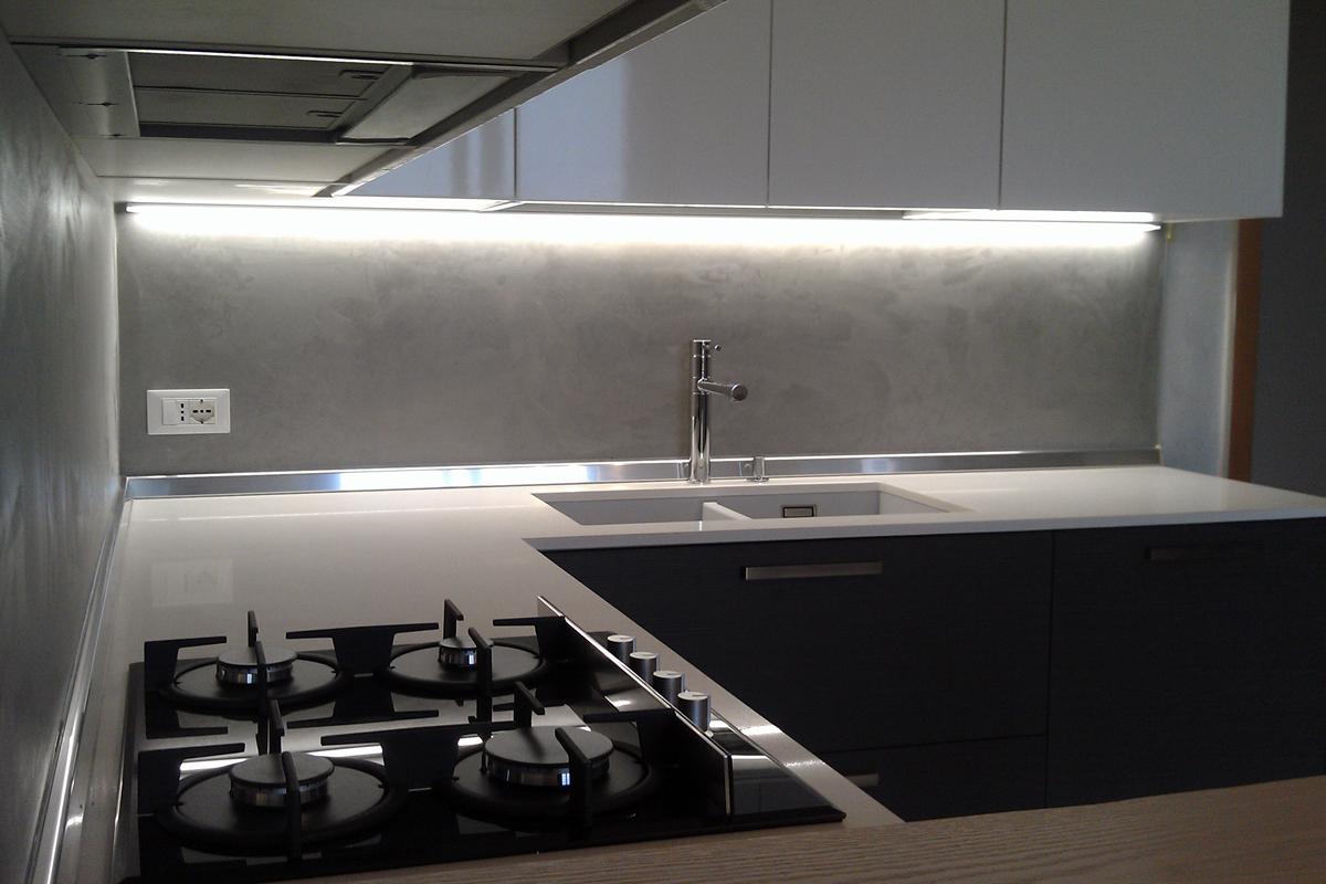 Cucina Bianco Lucido e Rovere Grigio | Arredamenti Barin